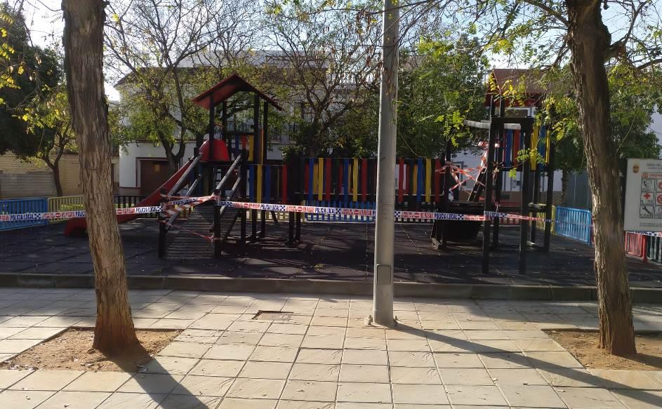 El Ayuntamiento de El Viso del Alcor precinta los parques infantiles ante las salidas de los menores a partir del lunes 1