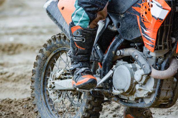 Tres personas han sido sorprendidas por la Guardia Civil practicando motocross en un terreno de caza privada durante el estado de alarma 1