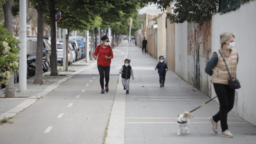 Los paseos de menores de 14 años serán de 12 a 19 horas y las de mayores, de 10 a 12 y de 19 a 20 1